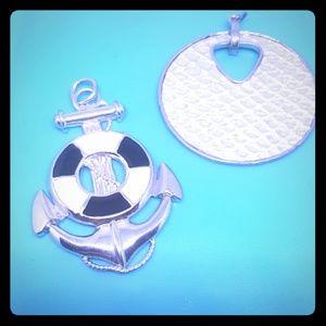 Bundle of 2 pendants